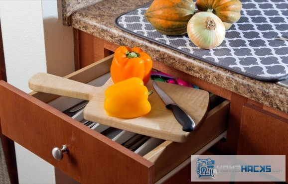 10-top-drawer-cutting-board