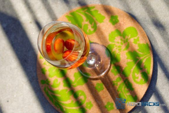 how to keep white wine chilled